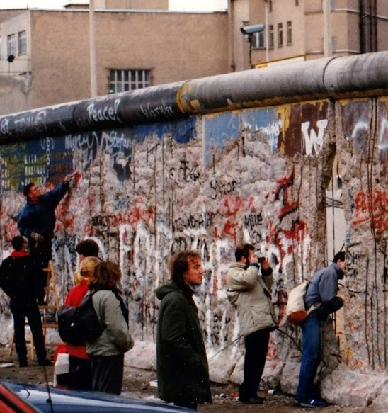Berlinmur89-crop